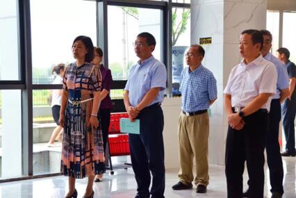 省直南京组扬州组省人大代表来扬调研易胜博特点集团乡村振兴工作
